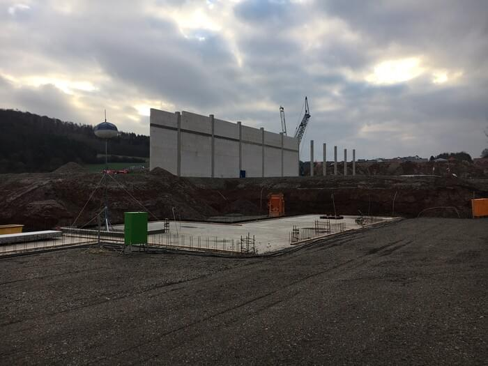 16th building phase: December 2018 - the walls of the new production hall are being raised